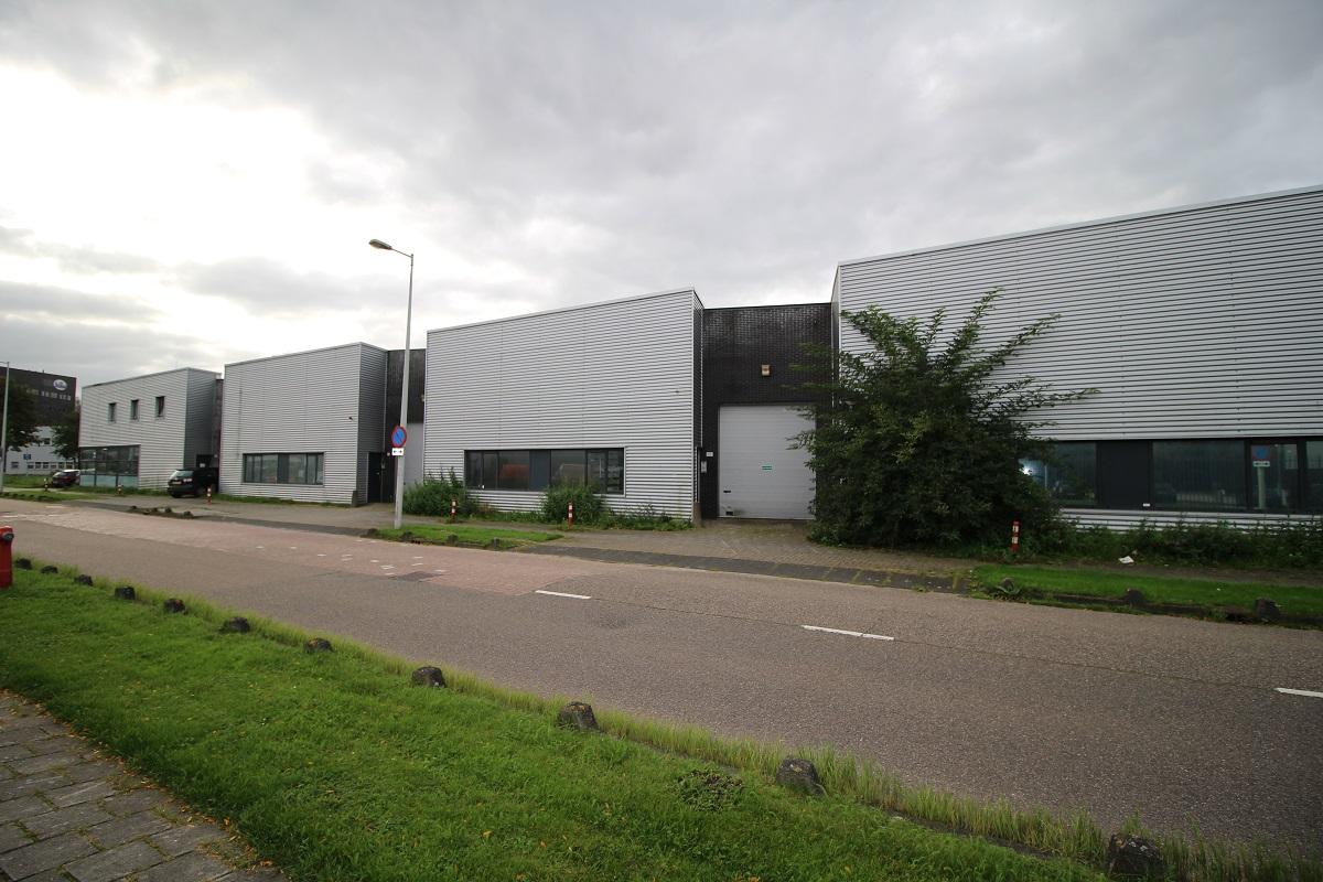 Bedrijfs- met kantoorruimte 270m2, Amstel Business Park
